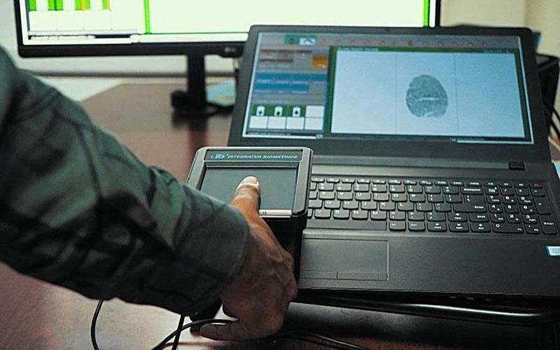 application of fingerprint live scan